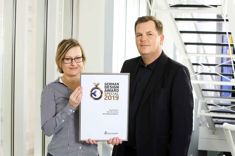 Der German Design Award zeichnet Projekte aus, die in der deutschen und internationalen Designlandschaft wegweisend sind. Im Bild Architektin Birgit Reiterer und ATP-Partner Werner Kahr.<br><span class='image_copyright'>ATP</span><br>