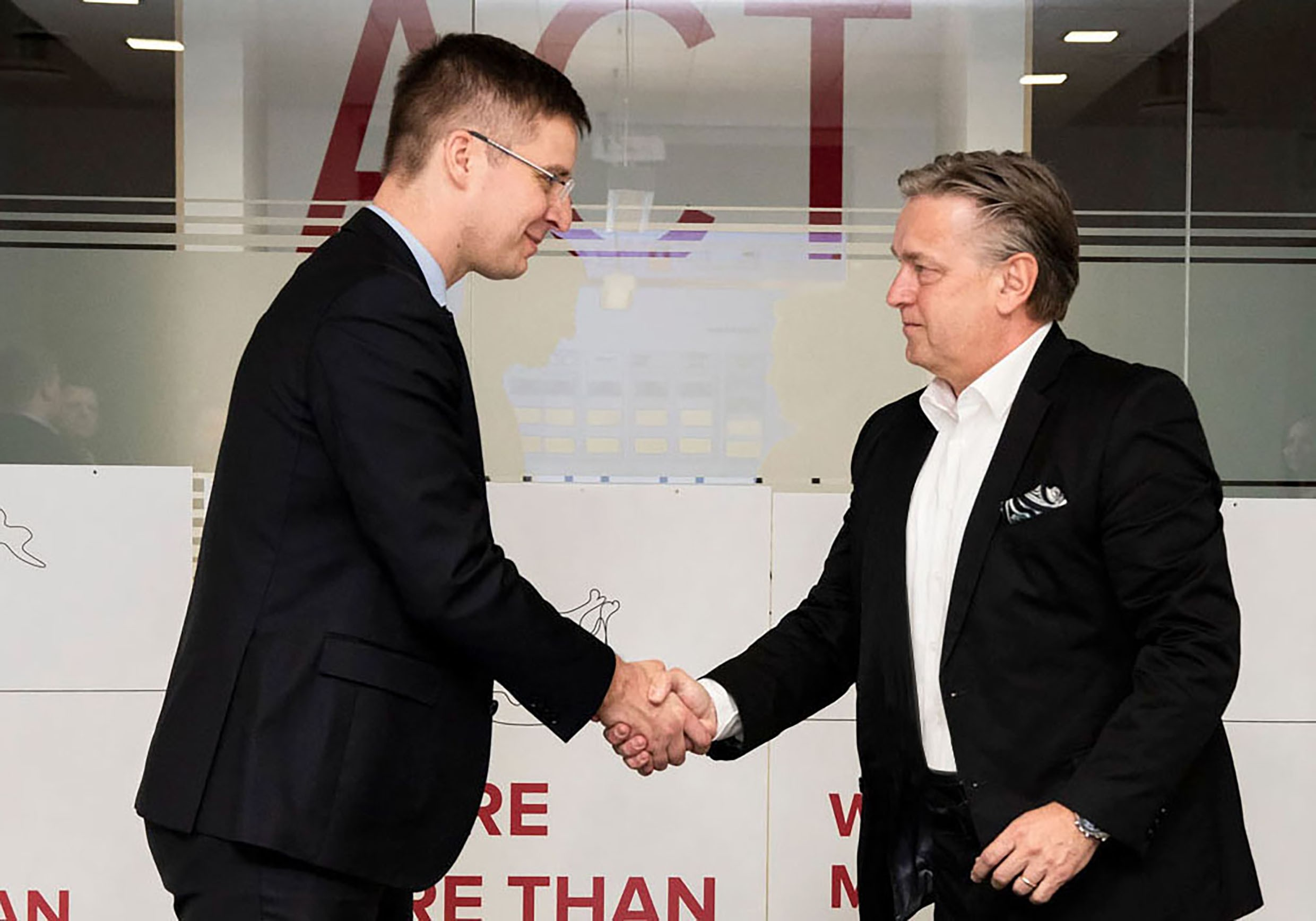 Dario Travas, ATP Partner and Head of Design (Vienna) with Laurynas Kuzavas, CEO of SIRIN Development.<br><span class='image_copyright'>Kęstutis Garbonis</span><br>