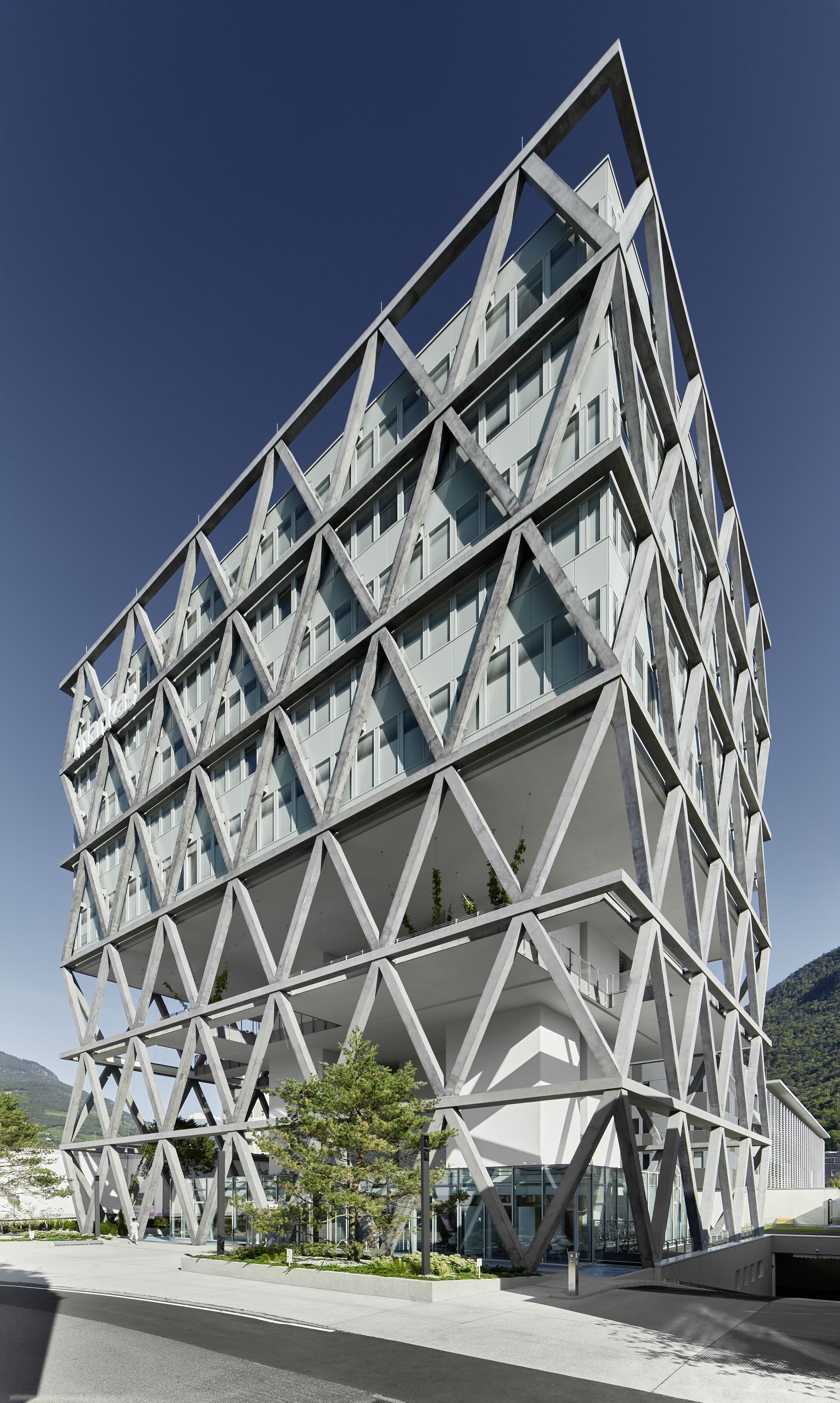 Integrally designed with BIM by ATP: the Markas HQ in Bolzano.<br><span class='image_copyright'>ATP/Becker</span><br>