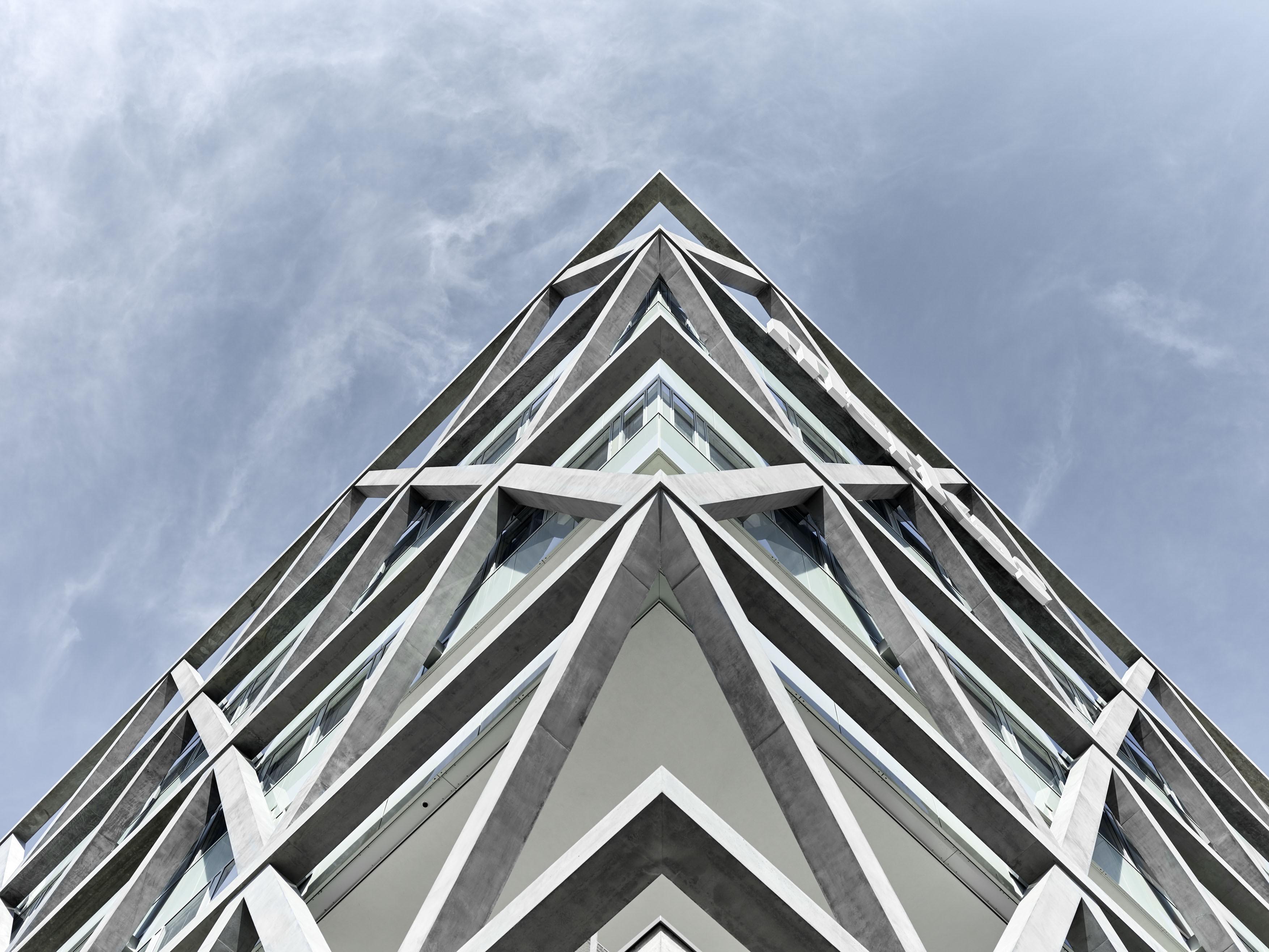 ATP hoch hinaus: Mit 40 Metern zählt der Markas-Turm zu den höchsten Gebäuden Bozens.<br><span class='image_copyright'>ATP/Becker</span><br>