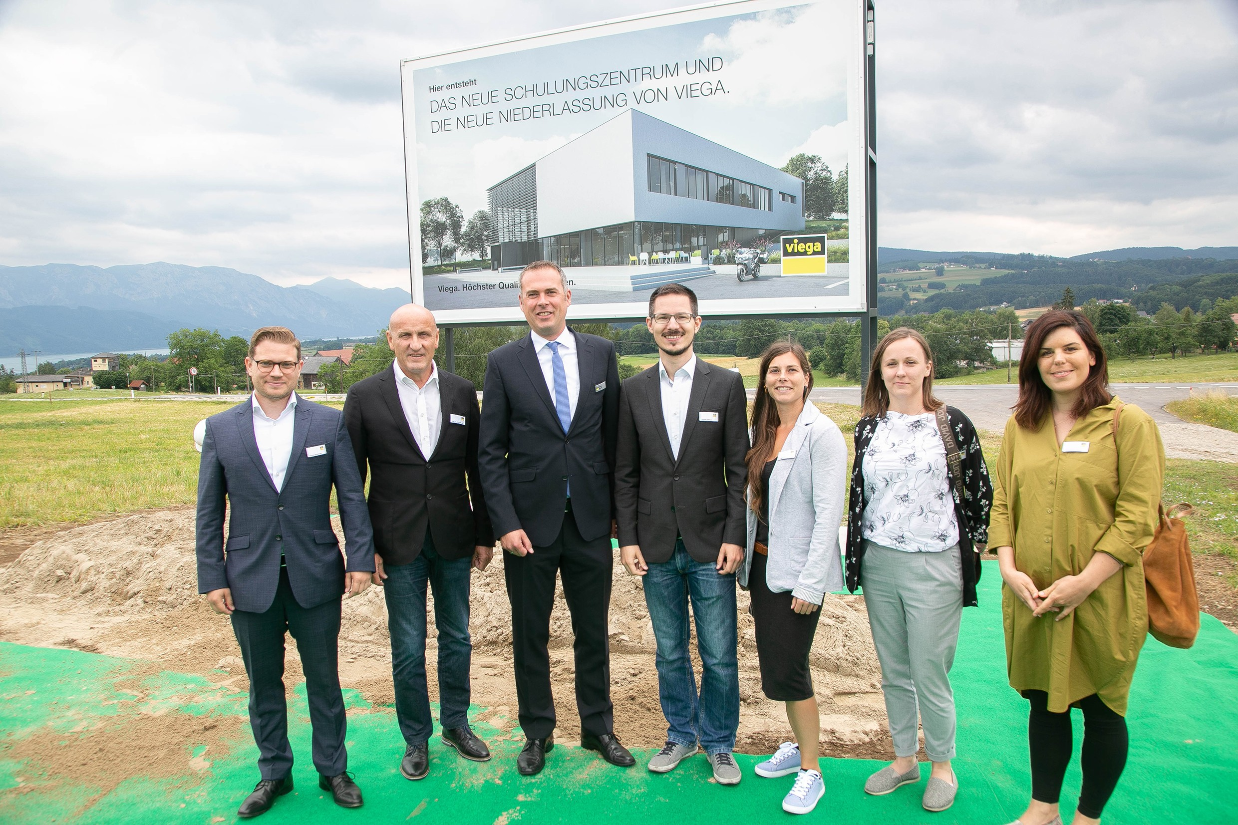 from left: Florian Sedelmaier, Horst Reiner (ATP), Christian Rüsche (Viega GmbH), Thomas Edlinger (ATP), Monika Ecker (ATP sustain), Lucia Kostrubová (ATP), and Katharina Thullner (ATP sustain) enjoy the groundbreaking ceremony.<br><span class='image_copyright'>Viega</span><br>