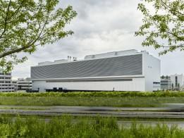 Das Daimler AIZ/RZ beeindruckt vor allem durch die ungewöhnliche Stapelung der beiden Nutzungseinheiten. Foto: ATP/Becker<br>