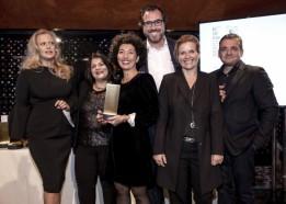 V. l.: Barbara Schöneberger (Moderatorin), Nicole Nagel (6B47), Ershade Shahangi (PL 6B47), Florian Beck (Head of Design ATP), Michaela Hauser (GF ATP) und Andre Lyashenko (PL ATP).<br><span class='image_copyright'>Callwey Verlag</span><br>