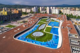 Activity roof: ALEJA Sky with a range of sport and leisure facilities.<br><span class='image_copyright'>Jost Gantar/VELIKA</span><br>