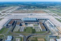 Luftaufnahme des Flughafen BER.<br><span class='image_copyright'>FBB/Günter Wicker</span><br>