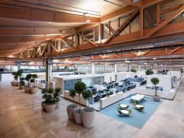 Auf der großzügigen und intelligent strukturierten Fläche finden sich Arbeitsplätze und Ruhezonen genauso wie Zonen für Meetings und konzentriertes Arbeiten.<br><span class='image_copyright'>ATP/Pierer</span><br>