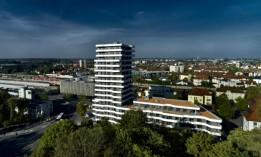 Der markante Komplex wird für Bahnreisende künftig zum Zeichen ihrer Ankunft in Ingolstadt<br><span class='image_copyright'>ATP/Becker</span><br>