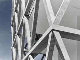 Der Hybrid aus Stahlbeton und eingegossener Stahlkonstruktion trägt das gesamte Gebäude.<br><span class='image_copyright'>ATP/Becker</span><br>