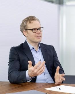 Niklas Veelken freut sich mit seinem Team einen Beitrag an der Entwicklung des Großraumes Berlin zu leisten.<br><span class='image_copyright'>ATP/Rauschmeir</span><br>