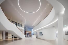 Zentrales und großzügig gestaltetes Foyer.<br><span class='image_copyright'>ATP/Kuball</span><br>