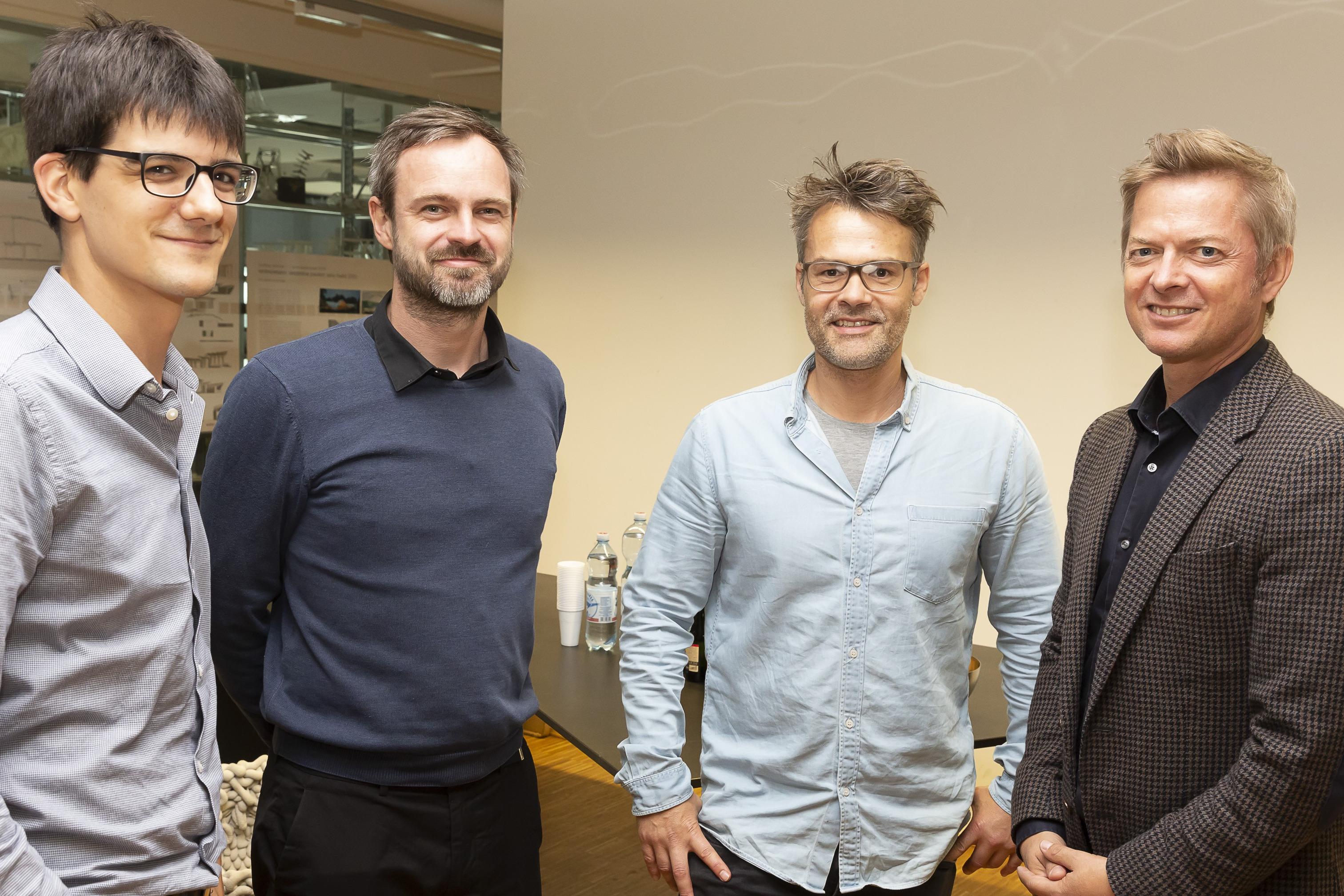(v.l.) ATP-Experte Philipp Zimmermann zusammen mit Peter Massin und Thomas Mathoy (Lehrende am Institut für experimentelle Architektur und Hochbau) sowie ATP Associate Partner Martin Lukasser bei der Abschlusspräsentation. Foto: ATP/Rauschmeir<br><span class='image_copyright'>ATP/Rauschmeir</span><br>