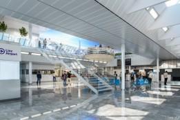 Lichtwand und -decke verstärkt Wohlbefinden der Besucher_innen und der Passagiere.<br><span class='image_copyright'>ATP/ZoomVP</span><br>