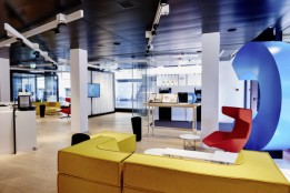 Bank Cler, Uraniastrasse in Zürich, CH<br>Im Zuge der Neuausrichtung der Bank Cler gestaltet Mint Architecture mit der Geschäftsstelle an der Uraniastrasse in Zürich das neue Filialkonzept.<br><span class='image_copyright'>Mint Architecture</span><br>