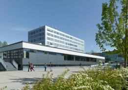 Das generalsanierte Universitäts-Gebäude zeichnet sich unter anderem durch den maßgeblich reduzierten Energiebedarf aus. Foto: ATP/Jantscher<br><span class='image_copyright'>ATP/Jantscher</span><br>